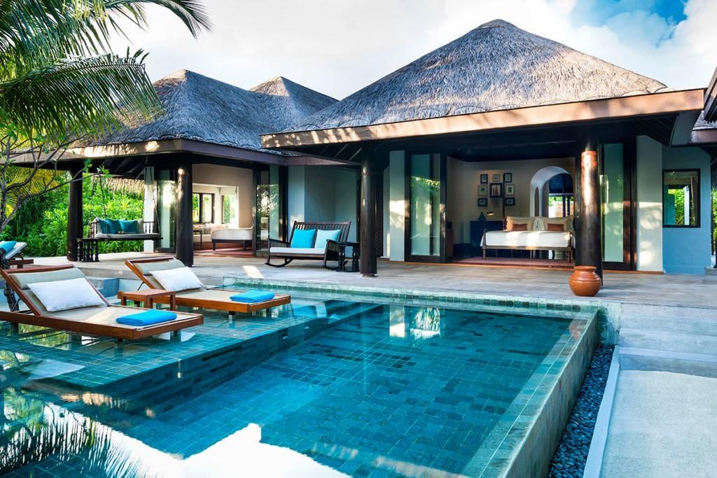 anantara-kihavah-beach-villa